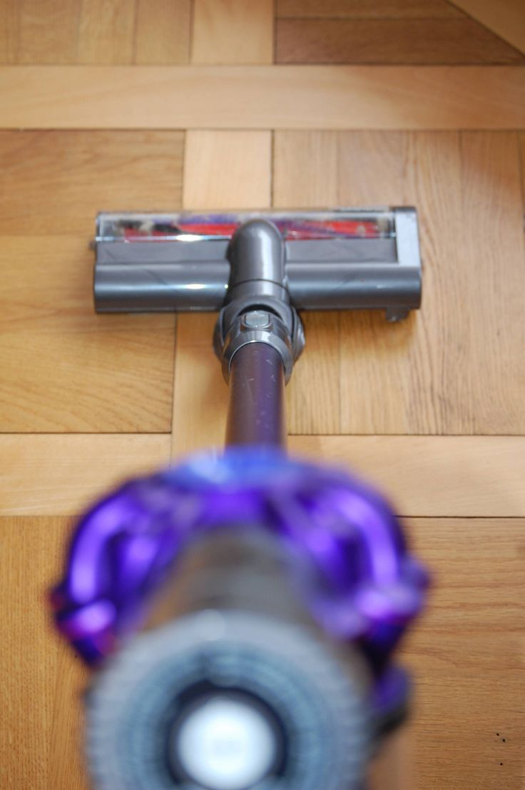 Dyson V6 Animal Pro cordless vacuum for homes with cats. Comparison of different V6 models.