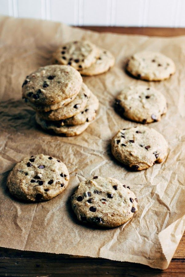 Hummingbird High - A Desserts and Baking Food Blog in Portland, Oregon: Spelt and Almond Meal Chocolate Chip Cookies (Vegan, Whole Grain and Refined-Sugar Free too!)
