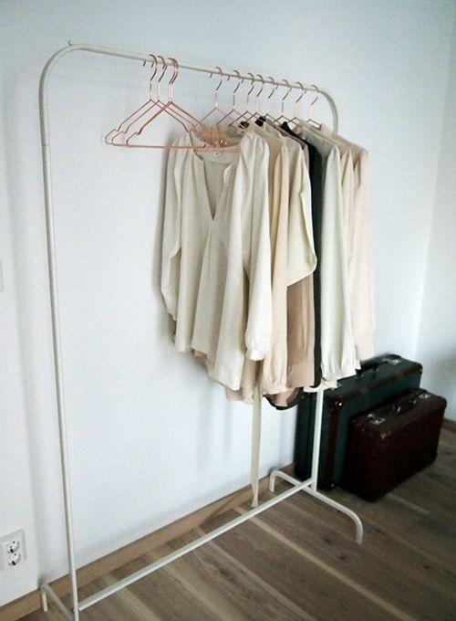 STIL INSPIRATION | Lotta Agaton + Folhem  Tasteful garnish to your delicious bedroom decor..