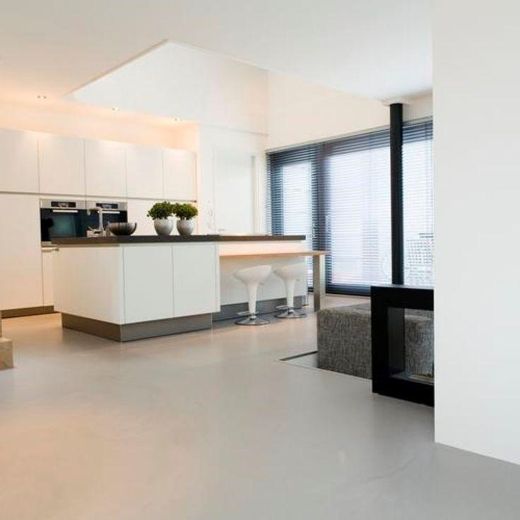 Grijze gietvloer in moderne keuken | CMI