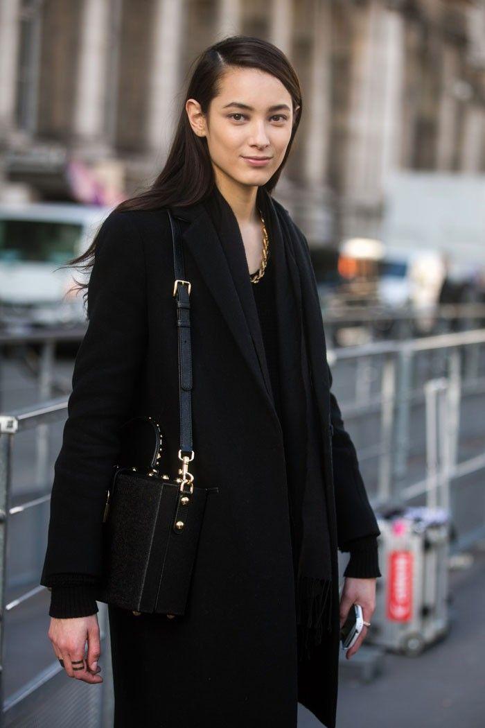 Street Style: Tiana Tolstoi's Elegant Black Outfit