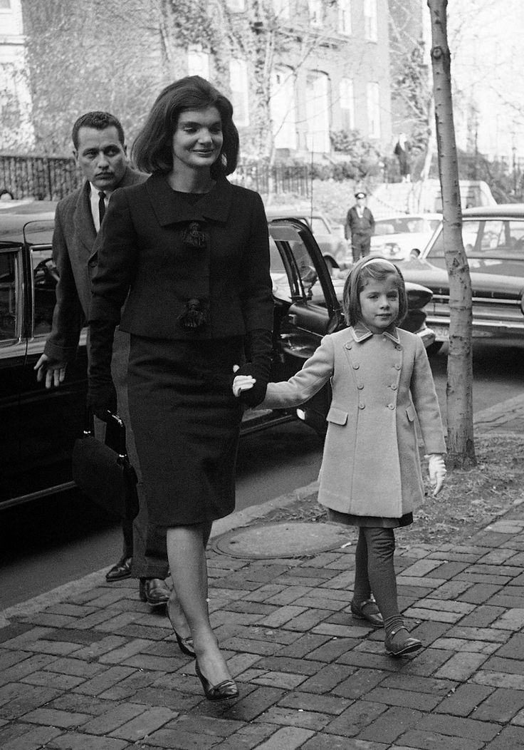 Jackie-O's grandchildren horrified by JFK widow's antiquated views ...