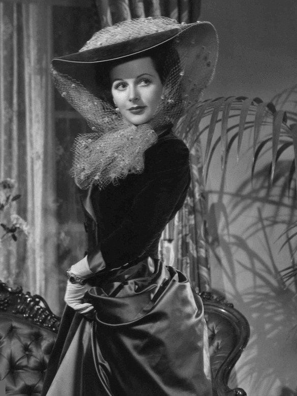 "gatabella: ""Hedy Lamarr, Experiment Perilous, 1944 """