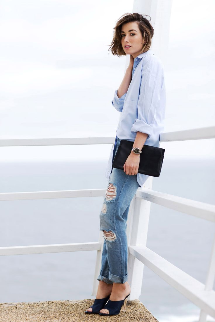 Love this simple jeans and button down look. MY NEW YEAR'S RESOLUTIONS FOR 2015.