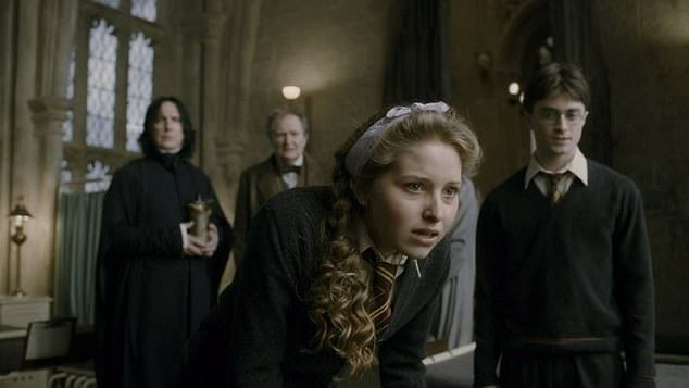 Harry Potter Star S Brother Died After Hitting 25 000 Volt Power Line Harry Potter Characters Lavender Brown Lavender Brown Harry Potter