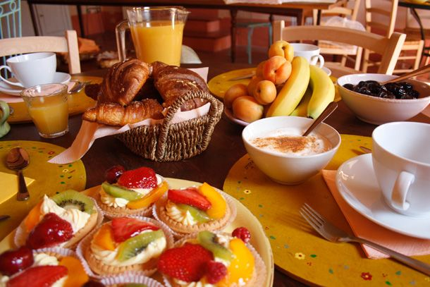 Cappuccino, fruits in season, natural jogurt, fruit juices and much more to better start your day!    http://www.loggiato.it/