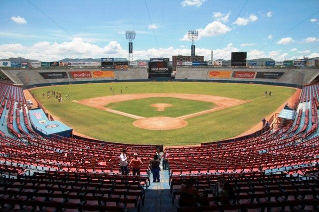 Crisis afecta temporada de béisbol venezolano