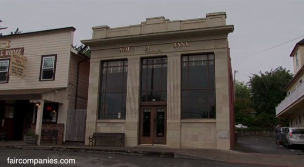 Small Towns Bank of America Location Converted into a Humble Home