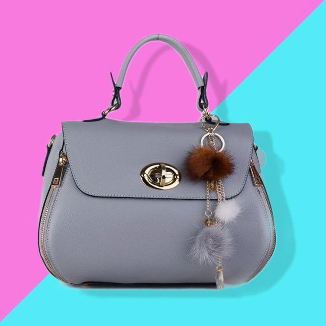 Luxusní kožená kabelka Maria ideálni do společnosti, kdy potřebujete zaujmout #emoty #emotyscz #koženkakabelka #verapelle #dnesnosim #moda #praha #výprodej kabelek #slevy #brno #ostrava #