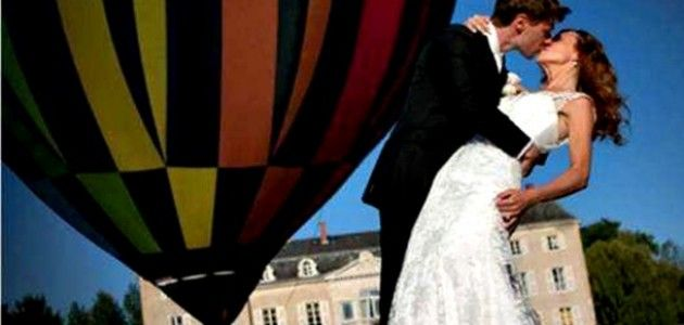 romantic wedding photos of hot air ballon