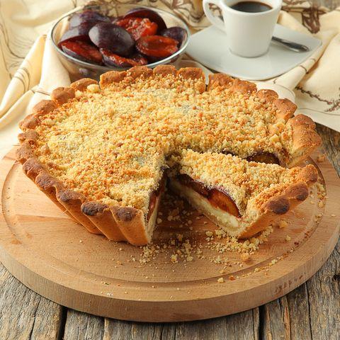Пирог со  сливой в творожном суфле