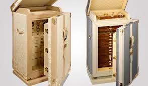 Luxury Safes is an expression of pure refinement and elegance | www.bocadolobo.com #bocadolobo #luxuryfurniture #exclusivedesign #interiordesign  #contemporary #design #modern #luxury # luxurylifestyle #timepieces #luxuious #glamour #luxurysafes #safes #rich