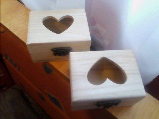 Gravíroztatható szíves ékszeres dobozka