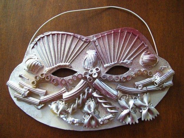 Maschera di gesso