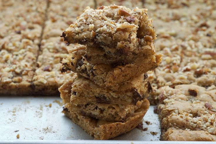 Lately, I've been going through brown sugar like you would not believe. Actually, I guess you would believe it if you've been keeping up with my recent recipes. I must say that I love the impact of brown sugar in baking. It just seems to give baked goods a little extra boost. These bars are certainly not shy with the …