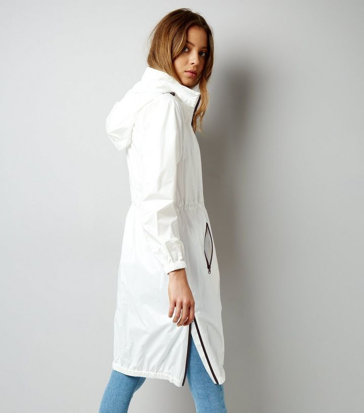 L2017 http://www.newlook.com/row/womens/clothing/jackets-coats/white-sports-longline-parka-/p/518678310?comp=Browse