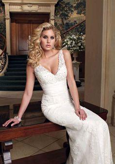 V-neck Sleeveless Sheath Beads Lace Court Train Wedding Dress picture 3
