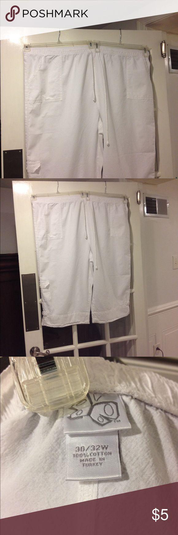 Size 30-32W Capri good condition Size 30-32W Capri good condition Pants Capris