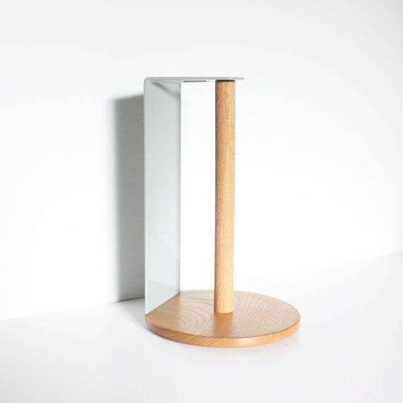 Dieser Counter Top Papier Handtuchhalter ist eine große Bereicherung für jede Küche oder Party im Freien. Ihre Wahl der Pulverbeschichtung und Holz geben Ihnen die Möglichkeit, dies um Ihren Raum perfekt anzupassen.  Abmessungen: 12,5 breit 4 breit (Metall) 8 breit (Holzsockel)