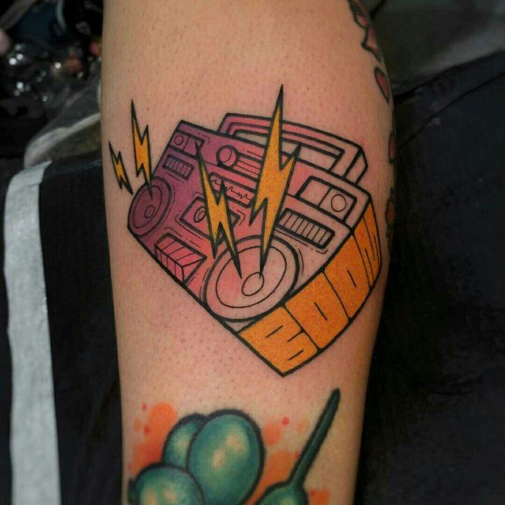 Tattoo done by: Gennaro Varriale #radio #radiotattoo #tatuaje #colourtattoo
