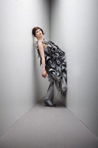 #Fotochannels #Woman #grey #dress  http://fotochannels.com/zoom/42-25978651/