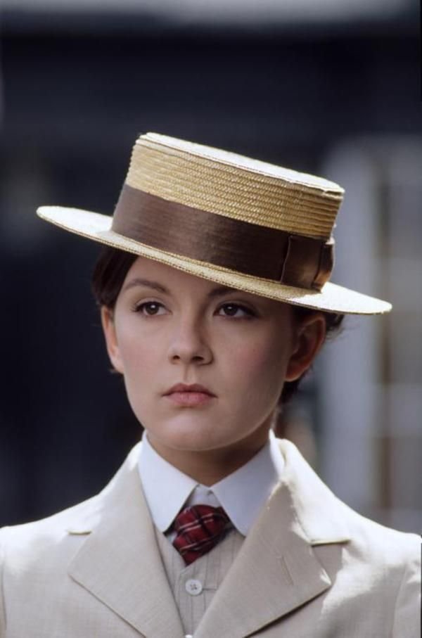 Rachael Stirling as Nan Astley in Tipping the Velvet