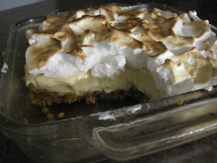 GâteauCorn Flakes C'est le même principe que la tarte au Corn Flakes, mais en carré! Ingrédients Croûte 5 tasses de Corn Flakes 1 tasse de cassonade 1/2 tasse de beurre ou de margerine, fond…