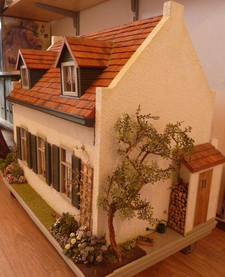 Omas Huis - In Het Mini - Koddels, Poppenhuizen en Miniaturen