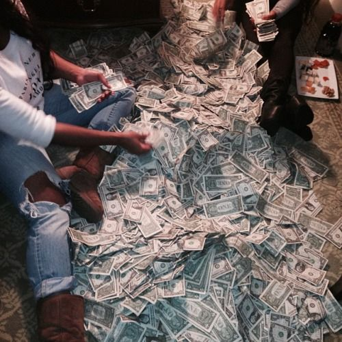 PICTURED: The money a stripper makes in just one shift