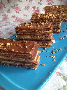 Por la red y por muchas pastelerías hay tartas preciosas, de dos, tres pisos …de todos los colores, gustos y muñecos que gustan a los niños y a algunos mayores. En mi casa como en todas las...