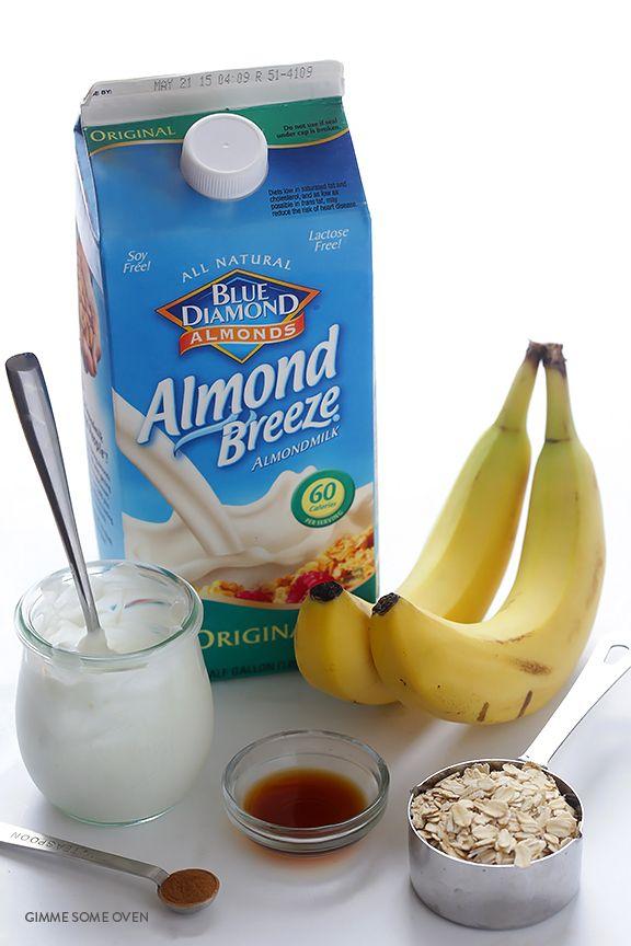Banana Bread Smoothie | gimmesomeoven.com | bananas (frozen !), almond milk, plain Greek yogurt (skip this if you want a #vegan smoothie), oatmeal, banana bread spice (cinnamon, nutmeg, salt), vanilla