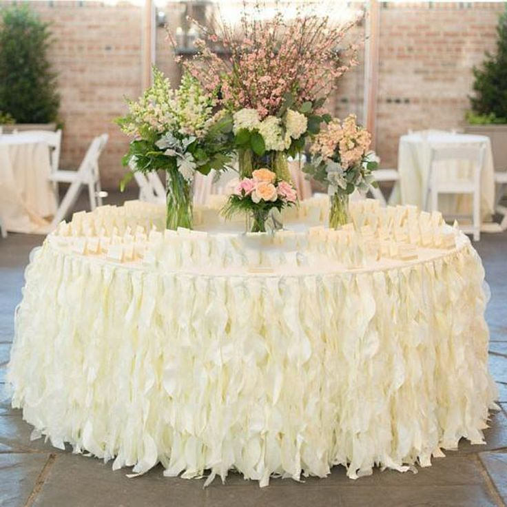 Romantic Ruffles Saias de Mesa Artesanal Decorações Da Tabela Do Casamento Custom Made Branco Marfim Organza Babados Bolo Toalha De Mesa(China (Mainland))