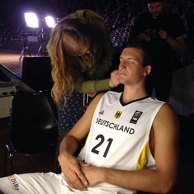 Videodreh des @dbb_basketball im #TelekomDome. Mit dem Adler auf der Brust ist Paul Zipser immer herzlich willkommen.  #DBBinBonn |  | #BasketsSpirit by telekombaskets