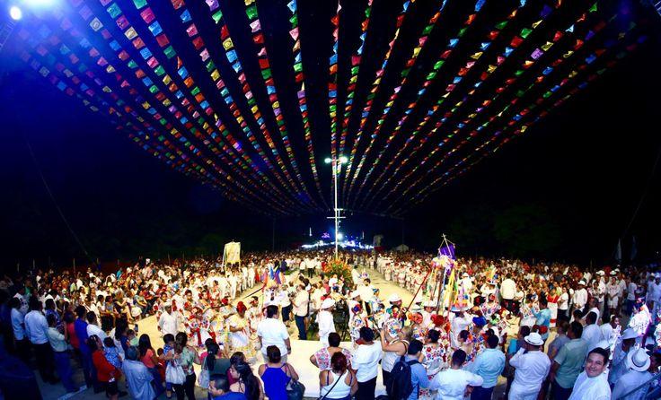 Solidaridad, Quintana Roo a 16 de julio de 2017.– Más de 240 mil personas disfrutaron de la convivencia sana y familiar al ser parte de la Feria del Carmen 2017, que se llevó a cabo del 8 al 16 de julio, con el objetivo de recuperar y consolidar las tradiciones del municipio de Solidaridad. En…