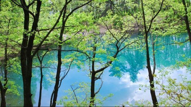 Lacul Albastru, unul din monumentele naturale din România, va fi inclus în circuitul turistic - VIDEO