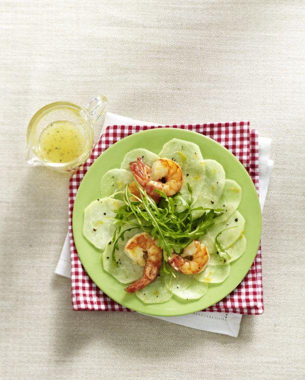 Unser beliebtes Rezept für Kohlrabi-Carpaccio mit Garnelen und mehr als 55.000 weitere kostenlose Rezepte auf LECKER.de.