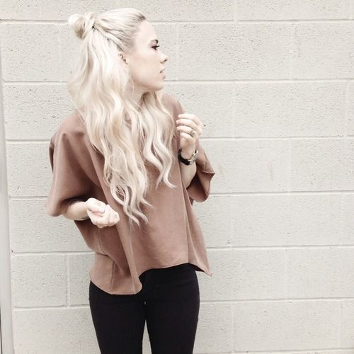 topknot half up hair style. It works so perfectly with those waves and white washed blonde color.