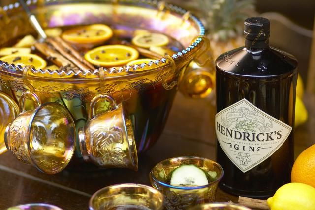 Warm up your winter party with a fantastic Hot Gin Punch. Discover two easy recipes, one with Hendrick's Gin and the other featuring Bols Genever.