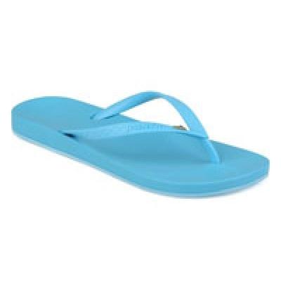 Tong IPANEMA - Anatomic Brillant III TurquoiseTong Ipanema couleur turquoise fabriquées en Melflex, plastique entièrement recyclable. Ces tongs ont une forme classique en forme de Y. Elles sont très confortables, elles épousent parfaitement la forme de vos pieds pour un confort total.... http://www.viva-playa.fr/tong-ipanema---anatomic-brillant-iii-turquoise-p-718.html