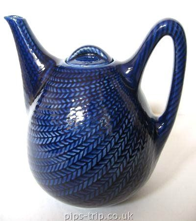 """Rorstrand """"Bla Eld"""" teapot, Herthe Bengtsson 1949. I love that the pattern looks like knitting."""
