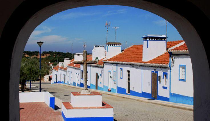 Santa Susana, Alentejo.Tem cerca de 200 habitantes e nenhum comércio. Fica a 1h30 de Lisboa.