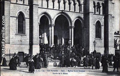 Cartes Postales Photos Église Saint-jacques Sortie de la Messe 64000 PAU pyrénées atlantiques (64)