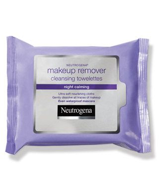 Wipe off your day and calm your senses all at once with #Neutrogrena's Night Calming Makeup Remover Cleansing Towelettes. (They even remove waterproof makeup and my Kohl eyeliner!)