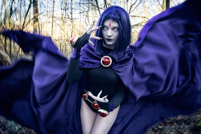 Raven from Teen Titans Cosplay http://geekxgirls.com/article.php?ID=6427