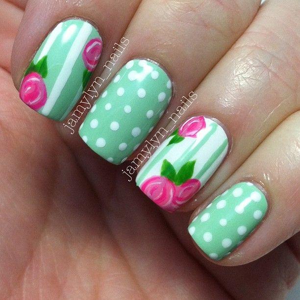 #nails #unhasdecoradas #nailart #floral #flores #flowers #dots #polkadots #bolinhas #poa #cute #girlie #lindo