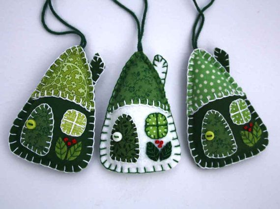 Felt Christmas ornaments // Irish cottages // Green Maisons