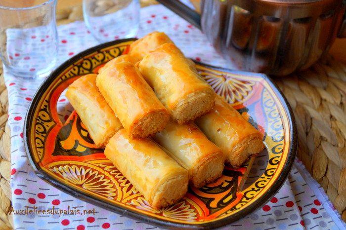 Mhancha aux amandes, gâteau Aid facile Recette M'hancha ou M'hencha aux amandes un gâteau divinement succulent, des feuilles de pâte à filo ou de pastilla