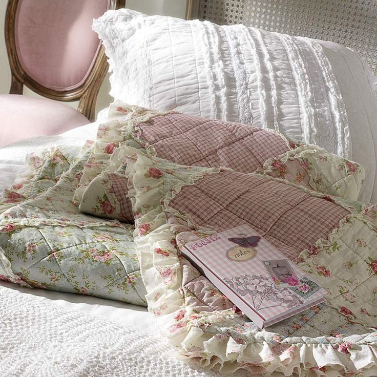 boutis fleurs en coton x cm ashley maisons du monde with couvre lit maison du monde. Black Bedroom Furniture Sets. Home Design Ideas