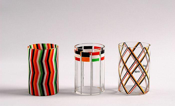 Le verre des architectesJosef Hoffmann, War Glasses, before 1916, clear glass, enamel decoration, Johann Oertel, Nový Bor (Haida), for Wiener Werkstätte, MAK. En savoir plus sur http://www.admagazine.fr/design/actualite-design/diaporama/le-verre-des-architectes/31185#47uZCka3CIlC6Gzy.99