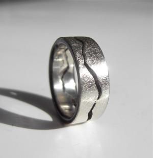 Doctor Who Crack Ring by jeanie